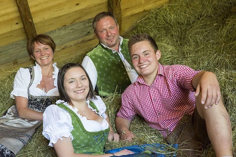 27_biohof-sonnhalmberg_weigl-christian-und-rosa