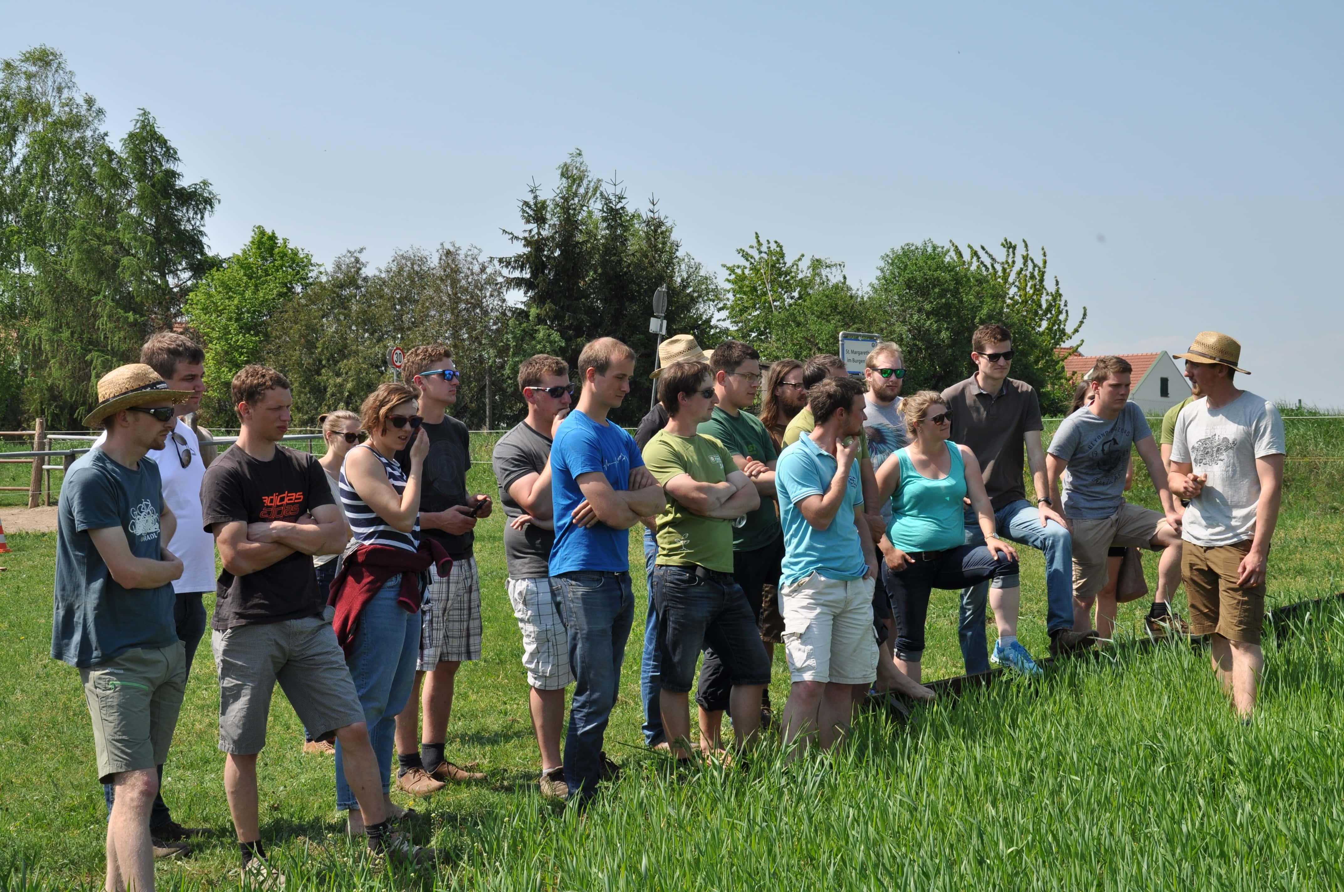 Die junge BIO AUSTRIA-Generation bei einem Bio-Betriebs-Besuch im Burgenland