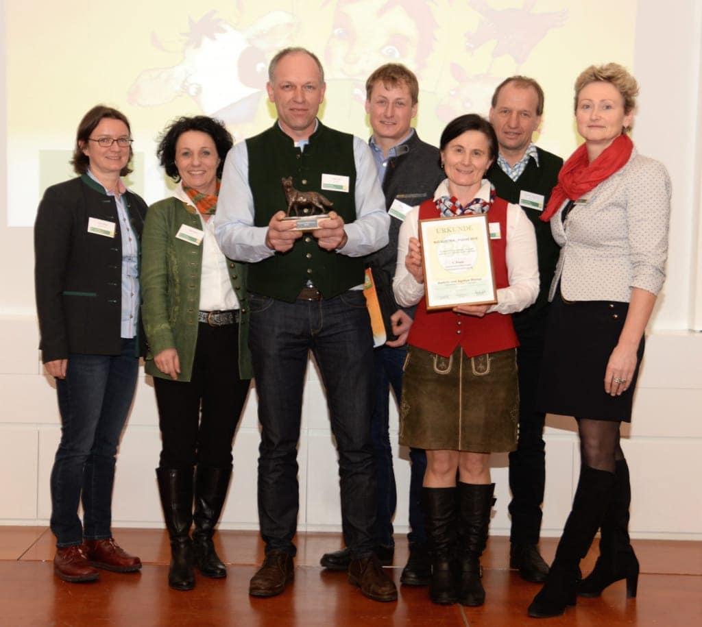 Gewinner des Innovationspreises Bio-Fuchs ausgezeichnet, mit Susanne Maier und Gertraud Grabmann