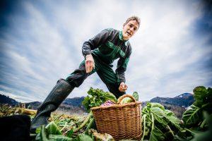 Gemuesefeld mit Landwirt