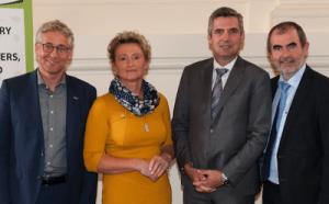 v.l.n.r.: Jan Plagge (Präsident IFOAM EU), Gertraud Grabmann (Obfrau BIO AUSTRIA), Herbert Dorfmann (Mitglied des Europäischen Parlaments), Josef Plank (Generalsekretär BMNT); Foto: © BIO AUSTRIA/Liebentritt