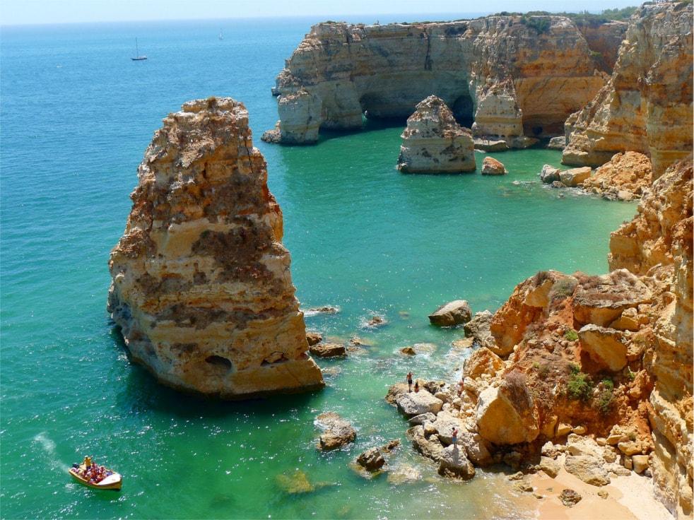 Bild von Meeresbucht Algarve in Spanien.
